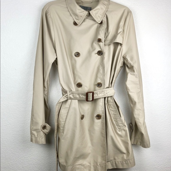 44b37e382 Uniqlo Lightweight Trench Coat With Belt Size L
